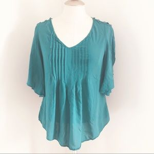 Maeve Anthropologie flutter sleeve top emerald